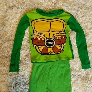 Size 6 snug fit 100% cotton boys Ninja turtle pjs